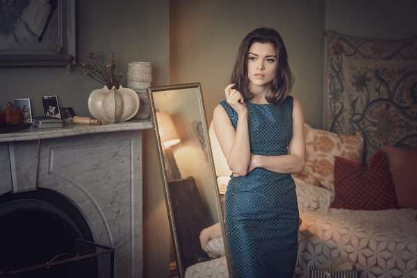 Sophie Cookson (Christine Keeler) in The Trial of Christine Keeler (BBC One) Photographer: Ben Blackall / © Ecosse Films 2019