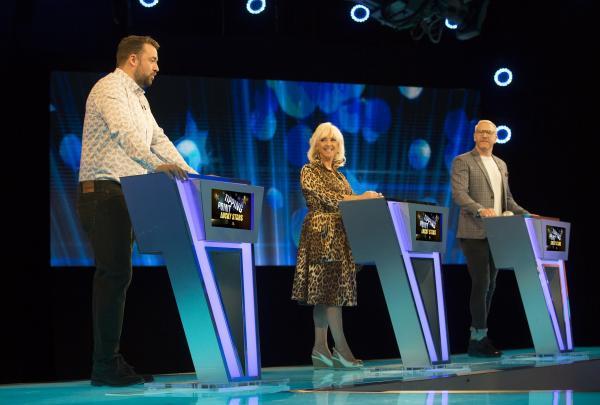 Tipping Point Lucky Stars - Jason Manford, Debbie McGee, Iwan Thomas (image courtesy RDF Television/ITV)